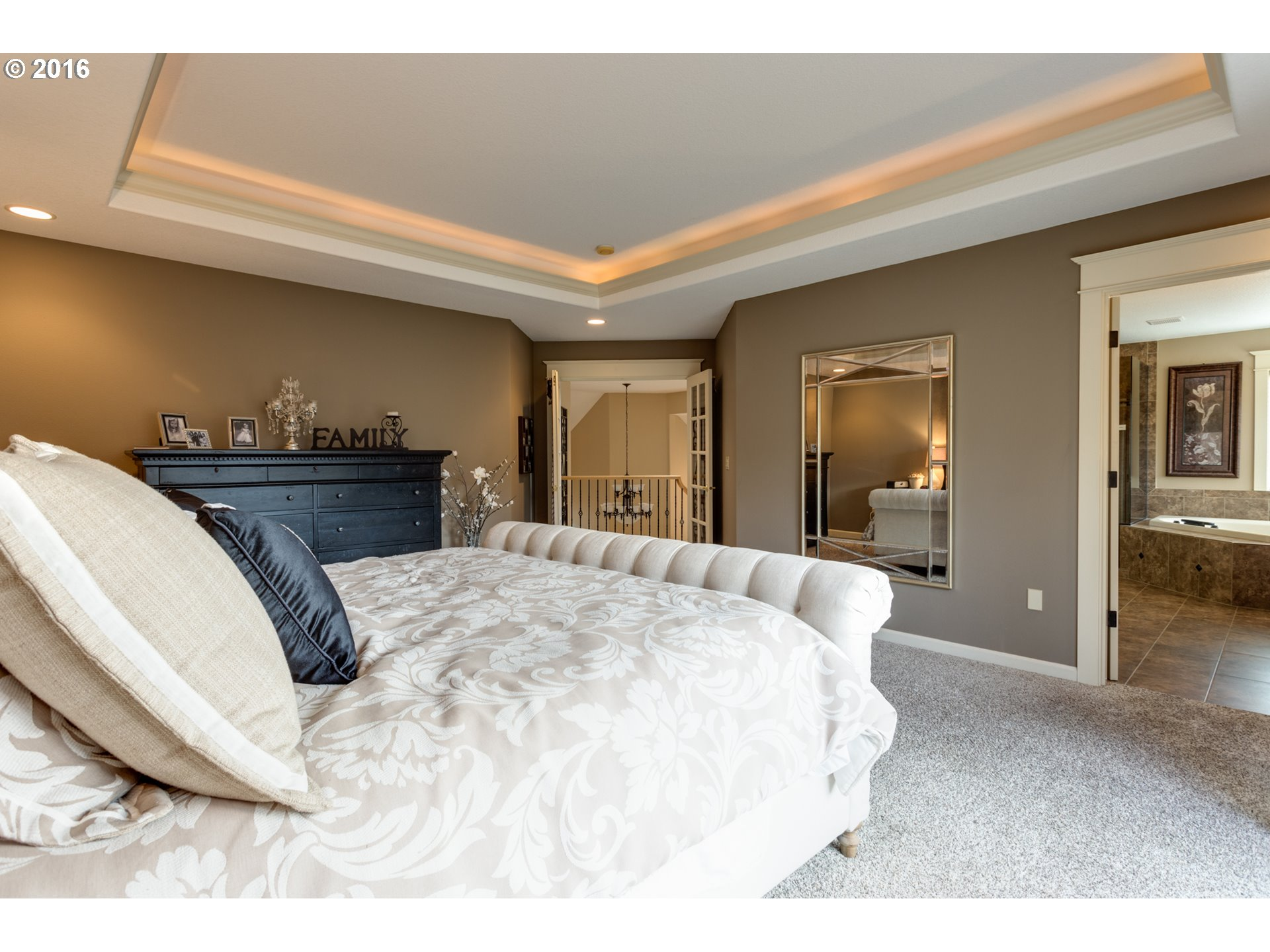 MASTER BEDROOM COVED CEILING